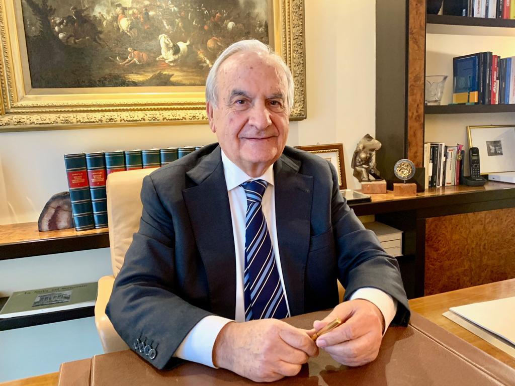 Il sindaco Nicolosi ritira le dimissioni