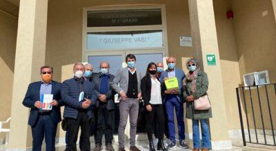 """Collocati due defibrillatori all'Istituto comprensivo """"Giuseppe Vasi"""""""